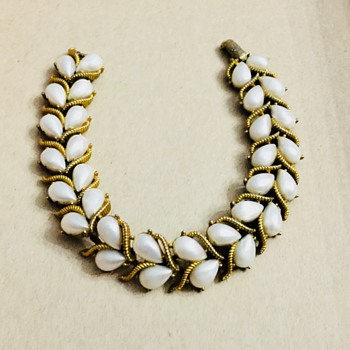 Crown Trifari bracelet - Costume Jewelry