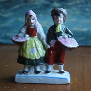 Little Dutch Couple - Pottery
