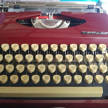 Triumph Tippa S Typewriter  - Office