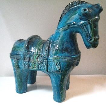 """Bitossi Ceramiche 10.5 """"  """"Rimini Blue"""" Cavollo (Horse)/Aldo Londi Design /Circa 1965 - Mid-Century Modern"""