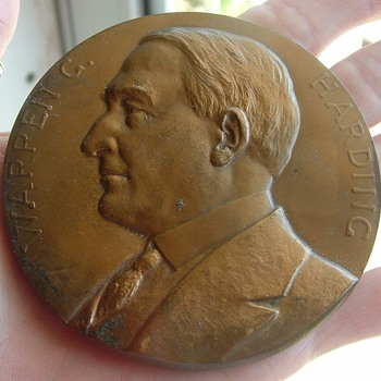 Harding Memorial medallion