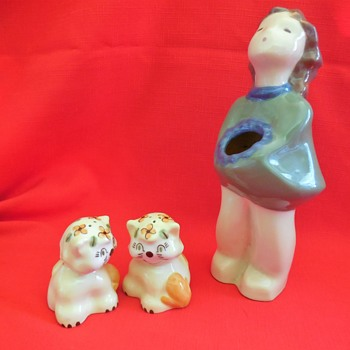 Salem Oregon Thrift Store California Pottery Finds Figurine Vase and Cats Salt and Pepper - Pottery