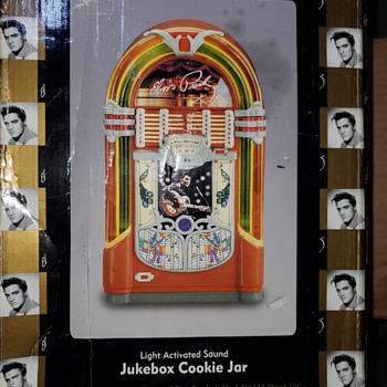 Elvis jukebox cookie jar - Music Memorabilia