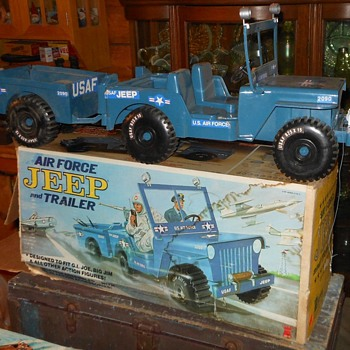 Empire Air Force Jeep For GI Joe and Big Jim 1973 - Toys