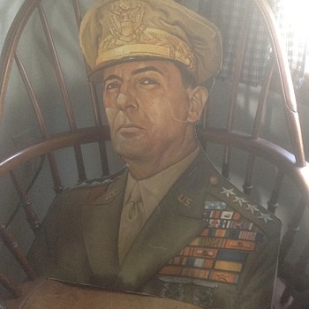 Douglas MacArthur cardboard bust - Military and Wartime