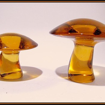 VIKING GLASS -- Mushrooms - Art Glass