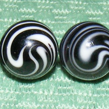 "Glass Waistcoat Ball Buttons - 7/16"" - Sewing"