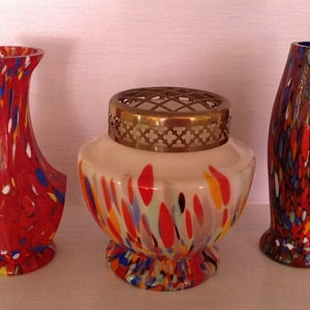 Three Czech Tango era spatter glass vases in various shapes - Art Glass