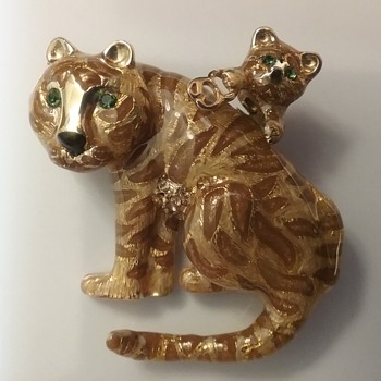St John tigers brooch  - Animals