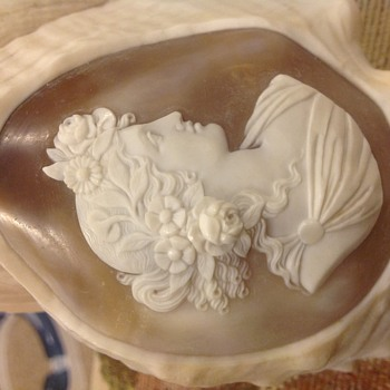 Victorian cameo on shell