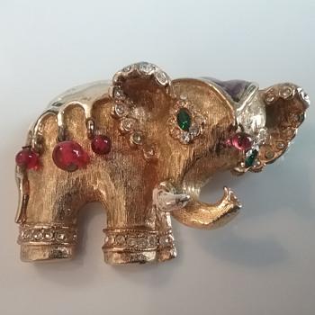 Hattie Carnegie elephant brooch  - Animals