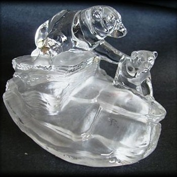 Cristal D'Arques Figure - Polar Bear and Cub  - Art Glass