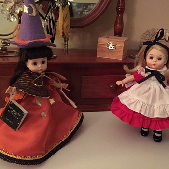Starting my 8 inch doll collection with these wonderful treasures  - Dolls