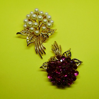 Crown Trifari Briolette and Pearl Brooch - Costume Jewelry
