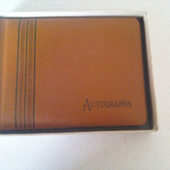 Autograph book - Books