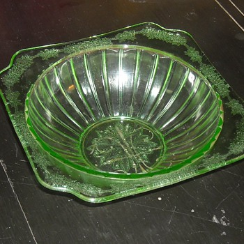 8 Inch Depression Glass Green Bowl Adam Pattern By Jeanette - Glassware