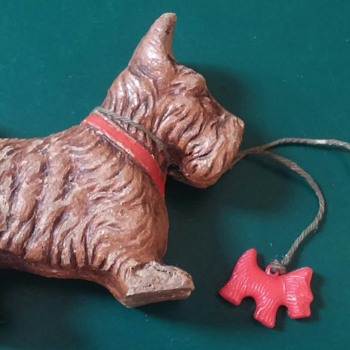 wood dog with two plastic puppies!  - Animals