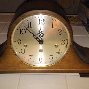 Cool triple chime linden mantle clock Hermle movement - Clocks