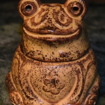 Another Froggie Incense Burner  - Animals