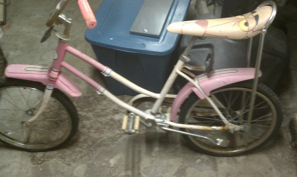pink vintage bicycle banana seat