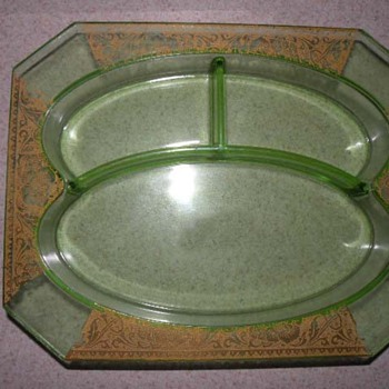 Divided Vaseline dish/tray - Glassware
