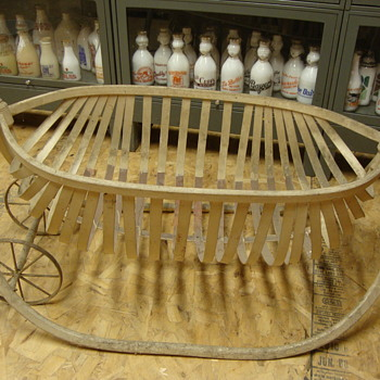 DAD'S BABY CRIB USED IN 1917............. - Furniture