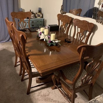 Antique dining room table with eight chairs - Furniture