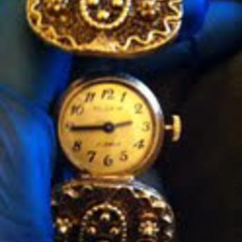Pilgrim  17 Jewels  Cuff Hidden Watch
