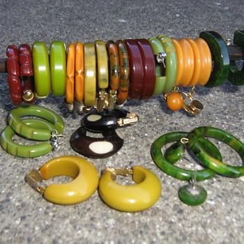 Bakelite hoop clip earrings - Costume Jewelry