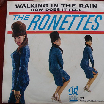 "1964 Ronettes ""Walking in the Rain"" 45 with rare picture sleeve - Records"