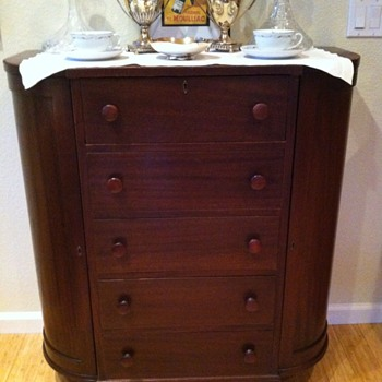 A demilune drawers chest  - Furniture
