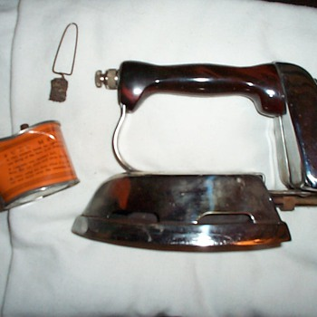 Kerosene Powered Cloths Iron early 1900s - Tools and Hardware
