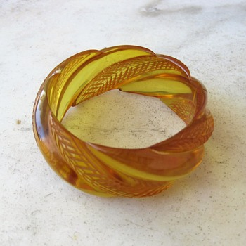 Carved apple juice bakelite bangle - Costume Jewelry