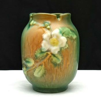 Roseville Art Pottery Small White Rose Vase #978-4 - Pottery