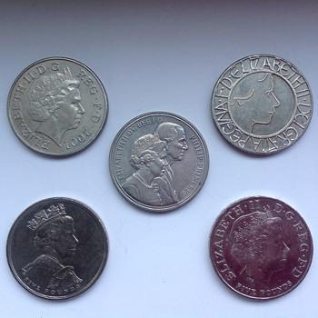 British commemorative five pound coins