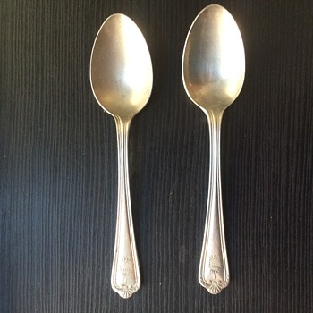 house of commons/parliment london tea spoons - Silver