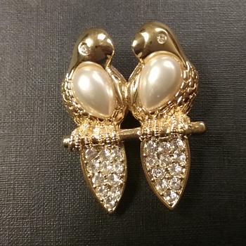 Napier lovebirds brooch  - Costume Jewelry