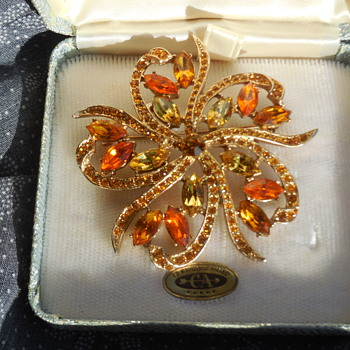 Carl-Art Jewelry? Or Just A Brooch In A Box! :^) - Costume Jewelry