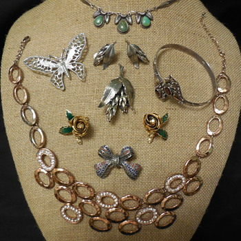 Just A Peek At Some Of The Flea Market Jewelry Finds On 02/9-10/2019 - Costume Jewelry