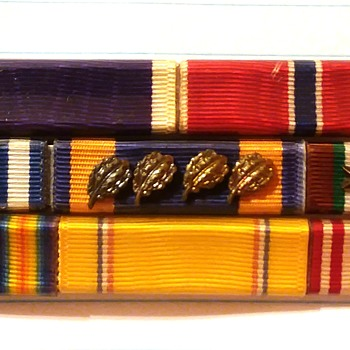 Wolf-Brown WW2 ribbon set - Military and Wartime
