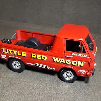 IMC/Lindberg Built Up Model 1/25 Scale Little Red Wagon Wheelstander Again - Model Cars