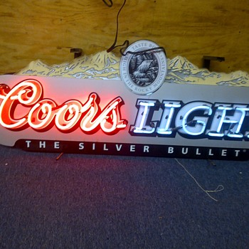 Neon Coors Light sign