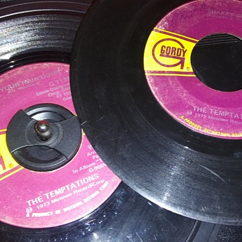 45 RPM SINGLE(S)....#105-#106 - Records