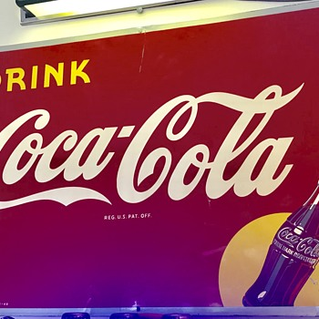 Coca Cola tin sign dated February 1948. Excellent condition and great border . - Coca-Cola