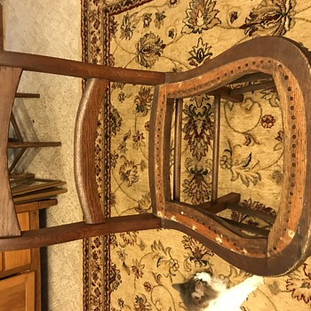 Estate find. Need help please! - Furniture