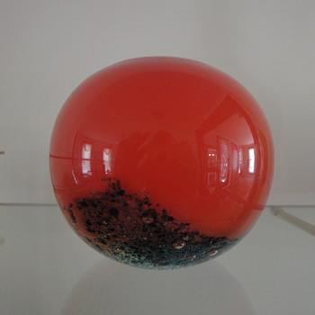scandinavian round vase - Art Glass