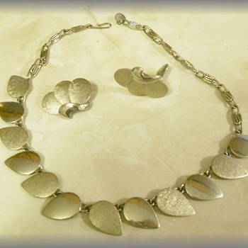 Vintage Silver-tone Flat Leaf Set -- 1960's era - Costume Jewelry