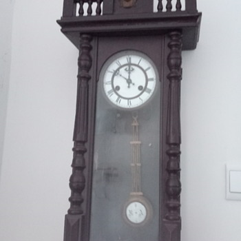 R&a clock need help to identify - Clocks
