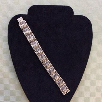 Art Deco bracelet ? - Costume Jewelry