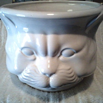 "Large White Ceramic Cat Head Planter-Cuspidor / Millard Lister Sales Limited ""Importer"" / Circa 1970's-80's - Pottery"